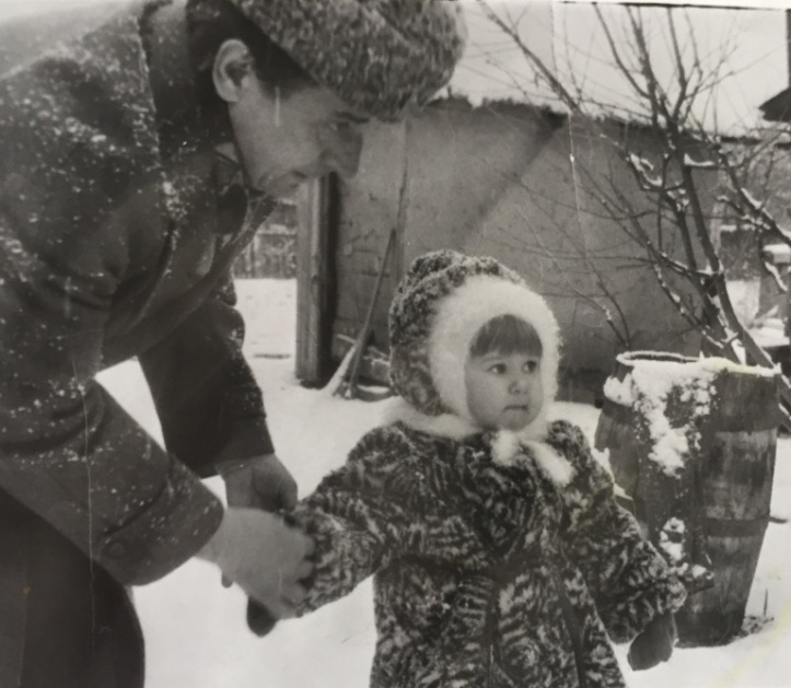 grandfather_and_granddaughter_in_fur